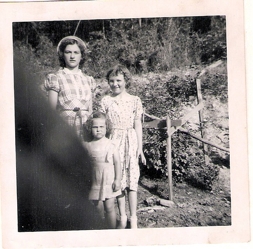 136-Imogene Chambers King-Laxton, Aunt Pat Moffett-Black and Norma Jean Strunk Lay
