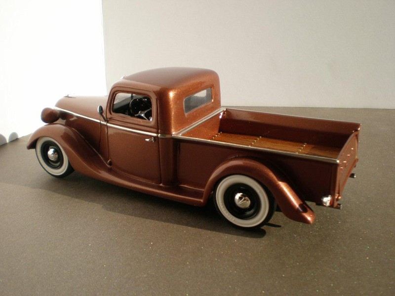Ford 1938 pick-up, channeled, top chopper, sectioned, dropper, leased  Fordpickup1939108-vi