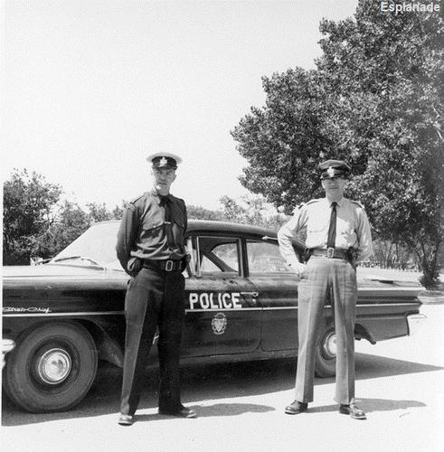 Canada- Medicine Hat Police 1960 Pontiac