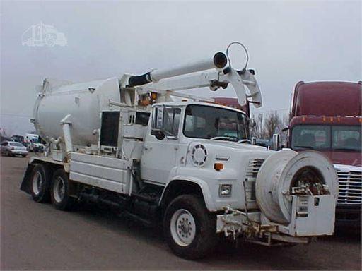 1990 FORD L8000