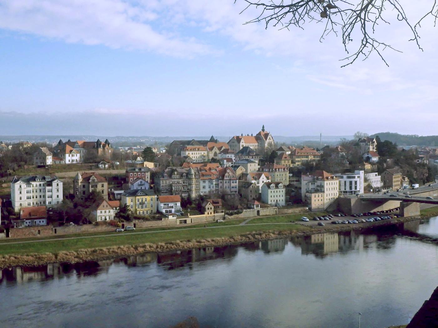 Blick von der Burg über die Elbe auf die Stadt Meißen