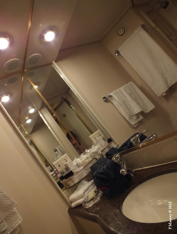 QUEEN VICTORIA Cabin 4012 18-10-2012 12-07-38