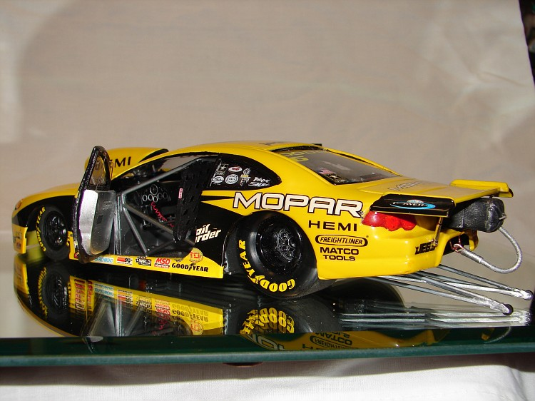 Jeg's Dodge Stratus Pro Stock - Scale Auto Magazine - For ...